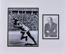 Jesse Owens Autograph Signed Display - Berlin Olympics